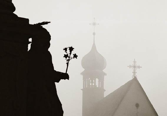 Banská Štiavnica - Trojičné námestie v hmle