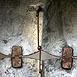 Autor: JURAJ  KOPNICKÝ, Názov diela: Bonboniera - kovaný a tepaný umelecký objekt, Technika: Kombinácia - kovaný a tepaný objekt - meď, mosadz, železo, Motív: ostatné nezaradené, Rozmery: 46x17x17 cm, Rok: 2008